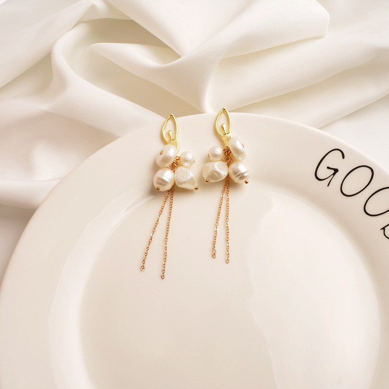 New metal long tassel earrings women's high sense irregular pearl ear pins Korean earrings NHWF194216