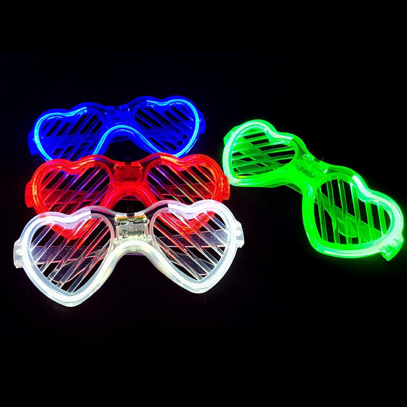 跨境热卖发光眼镜派对装饰酒吧爱心百叶窗led音乐节地摊玩具