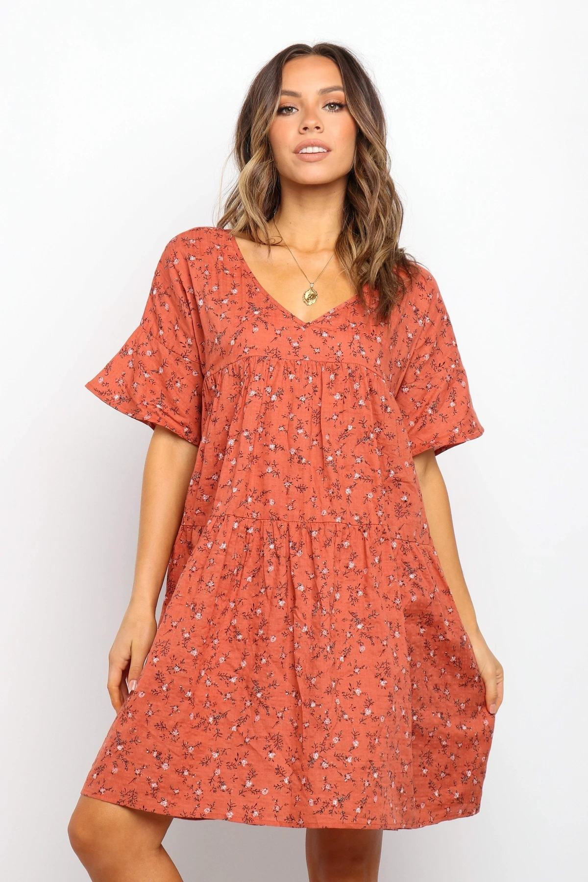 summer hot style V-neck trumpet sleeve printing pleated loose dress NSYD3870
