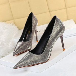6189-3 European and American wind sexy show fine with high thin heels metal with shallow pointed mouth shining sequins c