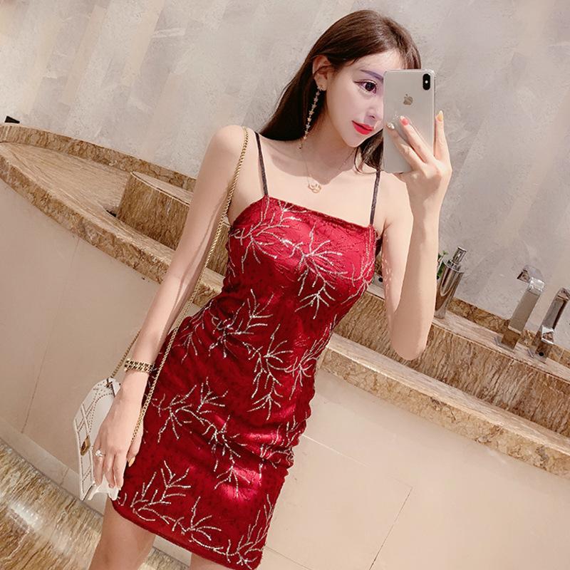 夜店女装2020春装新款性感吊带抹胸露肩刺绣修身包臀连衣裙晚礼服