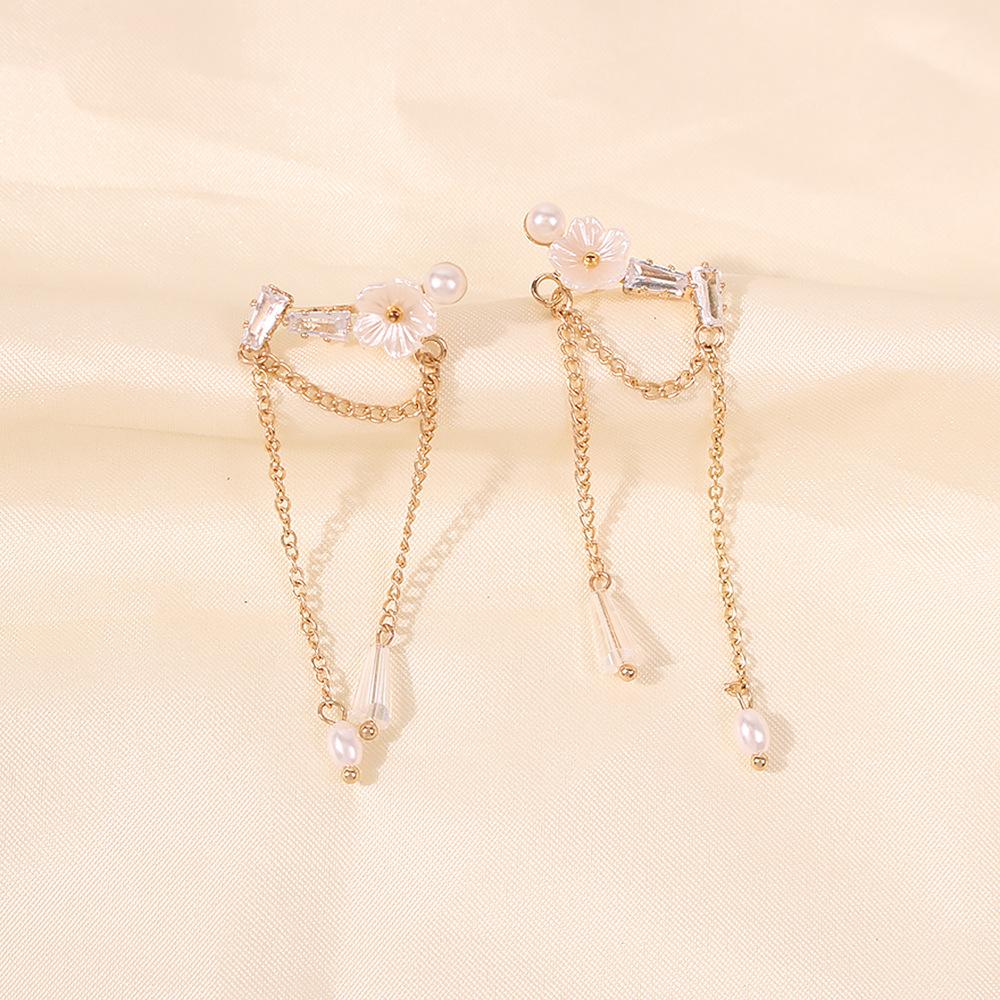 exquisite design sense fashion pearl simple flower tassel earrings wholesale NHMD254319