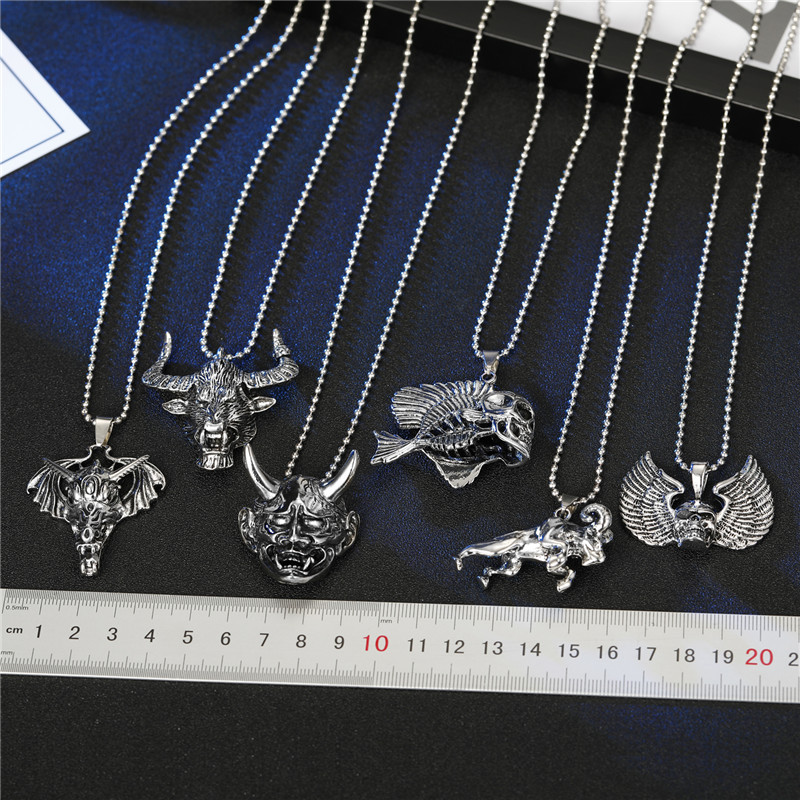 Fashion Faucet Skull Wings Goat Animal Pendant Necklace