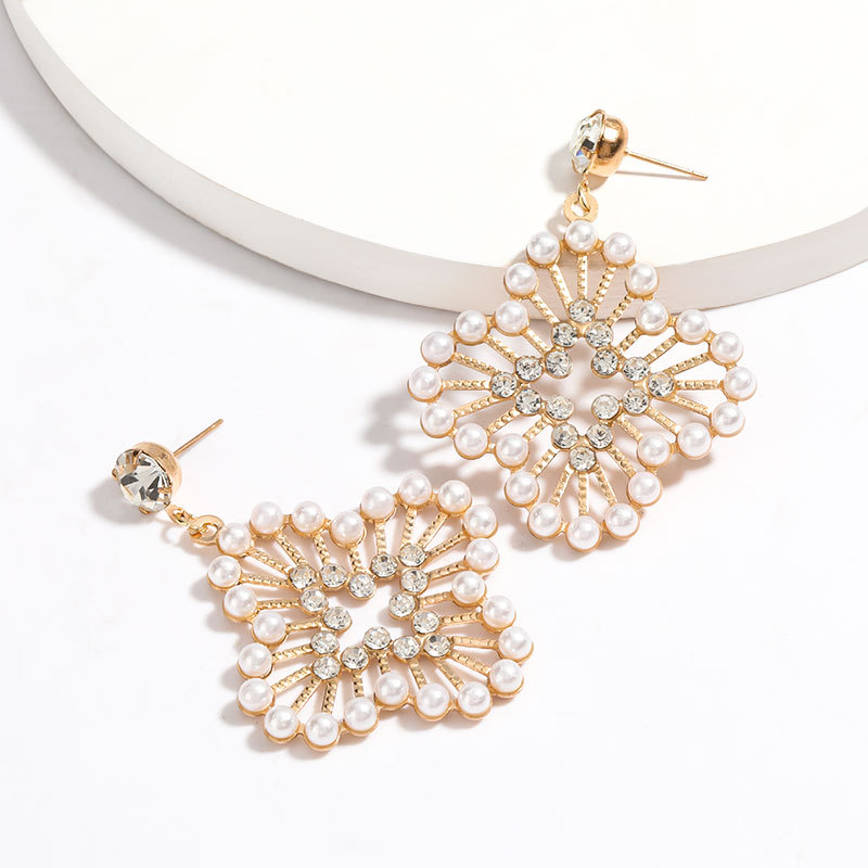 New floral alloy acrylic diamond and pearl earrings for women NHJE205957