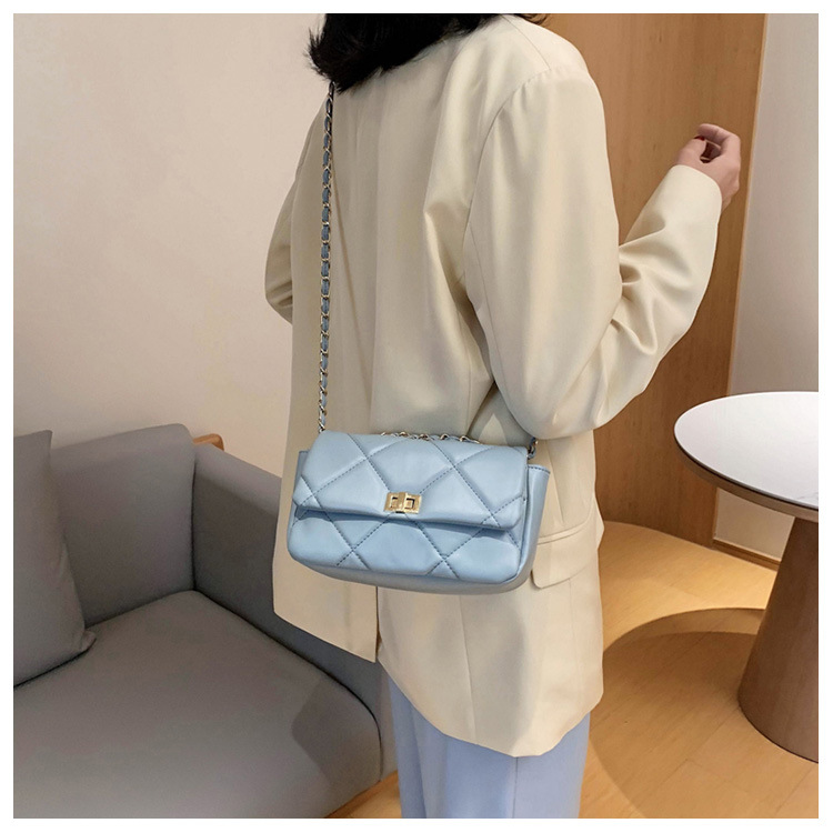 Korean simple fashion  new wave texture messenger bag  wild  chain small square bag nihaojewelry wholesale NHTC223111