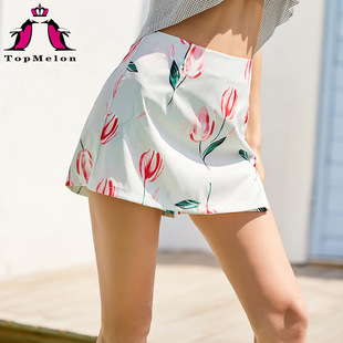 Cross-border hot-selling 2020 spring and summer new fashion high-waist striped printed fake two-piece shorts 18405