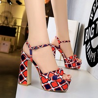 3363-8 European and American summer silk camouflage flower color matching thick heel super high heel waterproof platform fish mouth word with sandals