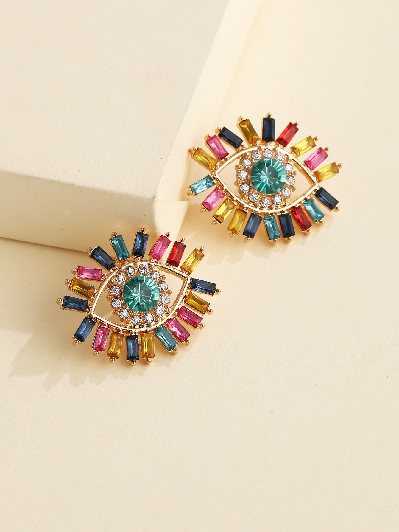 new angel's eye earrings Korean personality tide French demon earrings wholesale nihaojewelry NHJJ220045