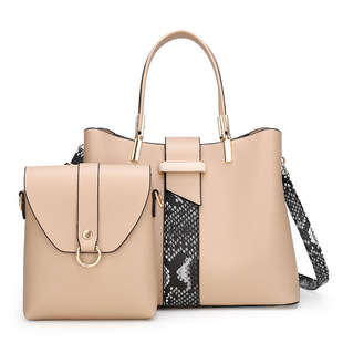 On the new 2020 summer new European and American two-piece one-shoulder diagonal female bag snake pattern stitching all-match portable picture-and-mother bag