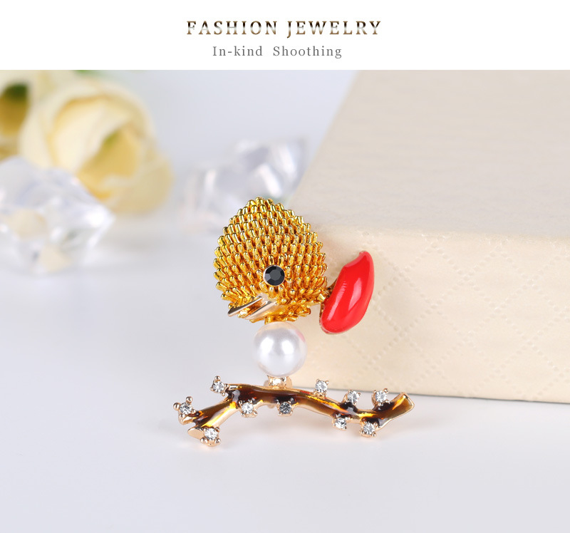 The new Korean fashion high-end diamond drop oil color bird brooch wild animal corsage  wholesale nihaojewelry NHDR223762