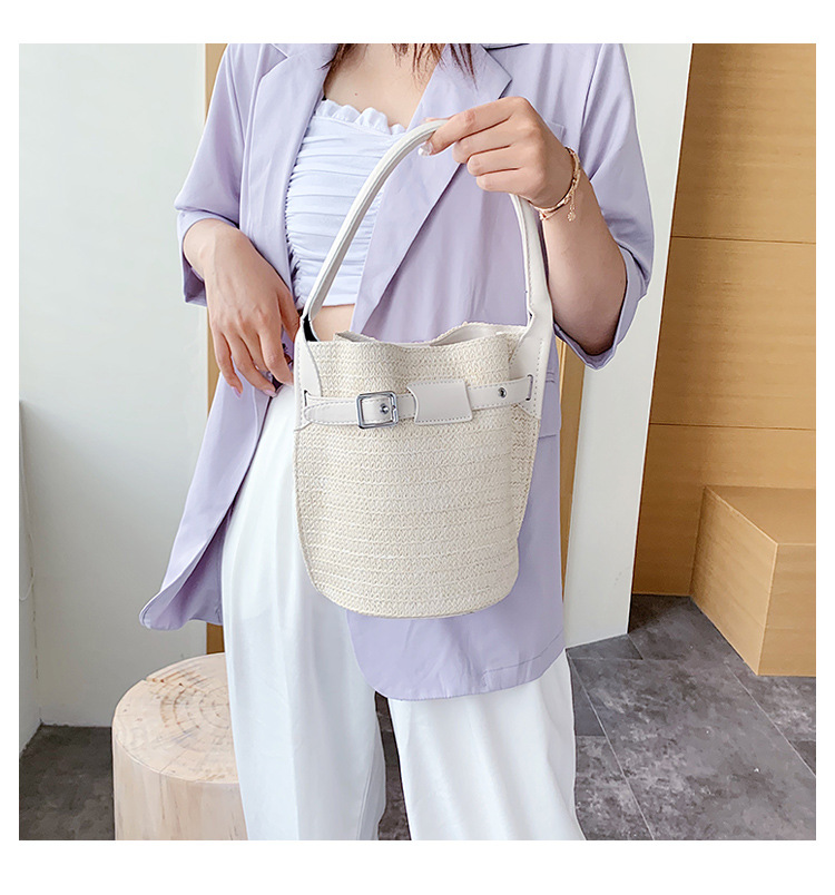 fashion straw woven contrasting color bucket bag new wave summer Korean fashion shoulder messenger bag  wholesale nihaojewelry NHPB220750