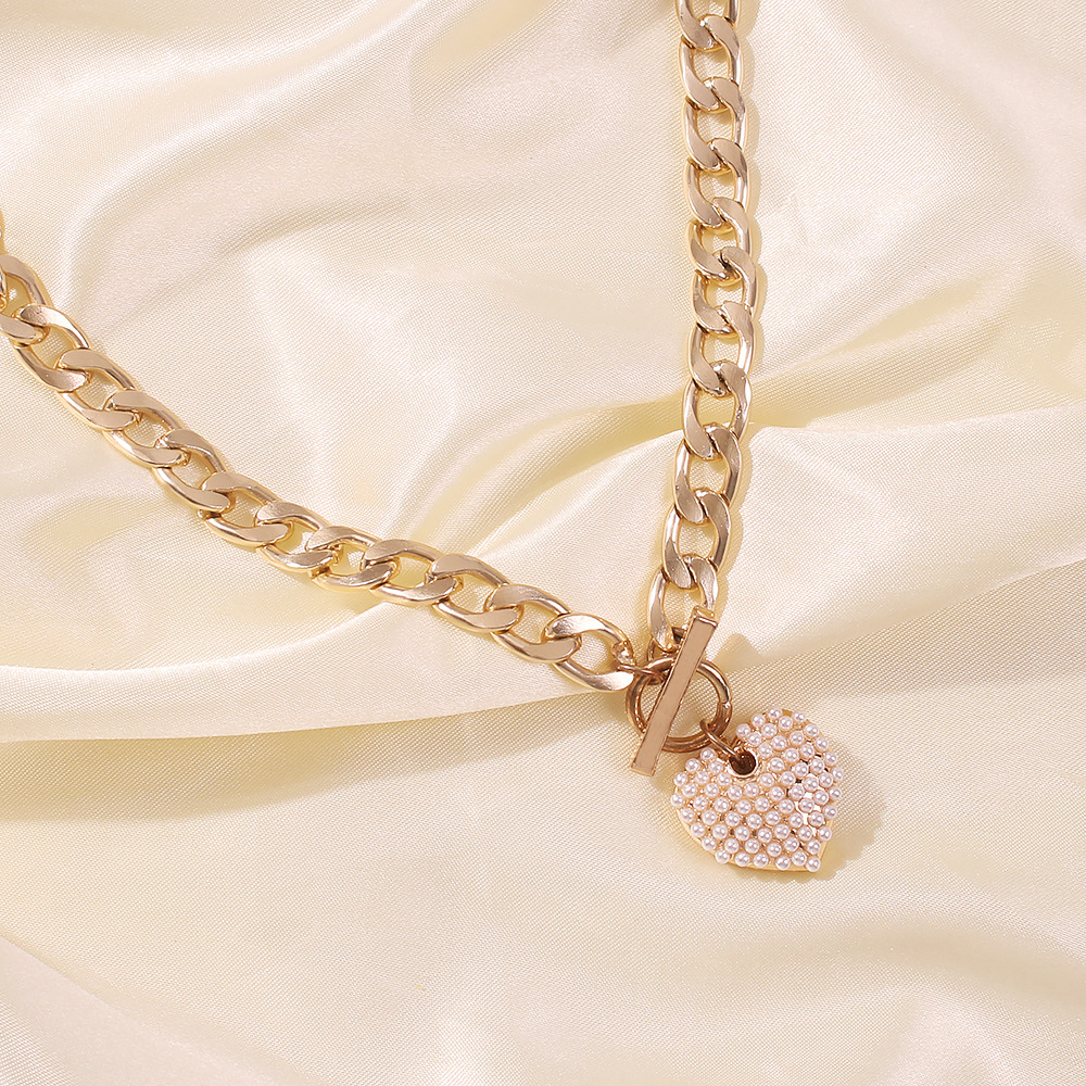 Fashion punk style new pearl heartshape necklace for women bold water wave clavicle chain simple necklaces nihaojewelry NHMD238179