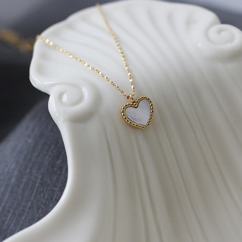 Simple heart gray white shell titanium steel necklace  NHGC371406