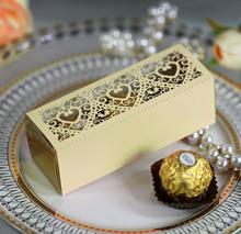 新款高档爱心纸盒 镭射镂空窗花喜糖盒 米黄色巧克力盒 浙江批发
