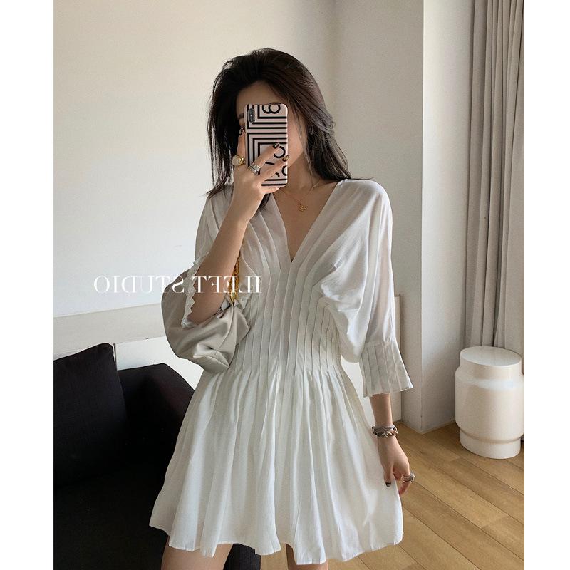 女裝中長款純色A字裙子2020夏裝新款百褶收腰V領連衣裙女氣質