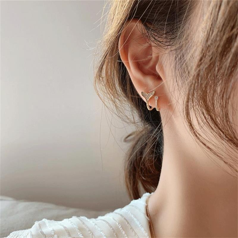 Koreas S925 silver needle simple microinlaid zircon fishtail wild earrings NHXI262009