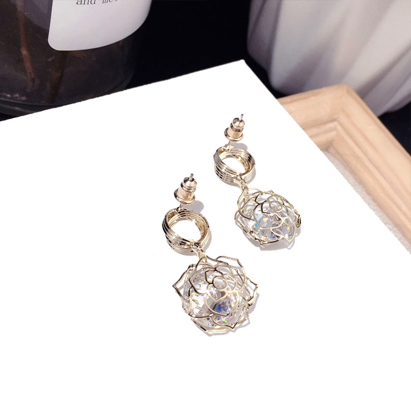 Charming jewelry Korean new fashion golden rose zircon earrings trend silver needle earrings wholesale nihaojewelry NHFT235306
