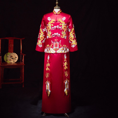 Men's Chinese traditional wedding party bridegroom wedding dress retro embroidery tang suit dragon and phoenix long gown toast clothing for male wedding robe