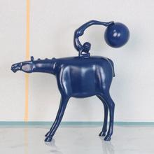 极简抽象雕塑人物仿真动物摆件北欧样板房树脂大理石家居软装饰品