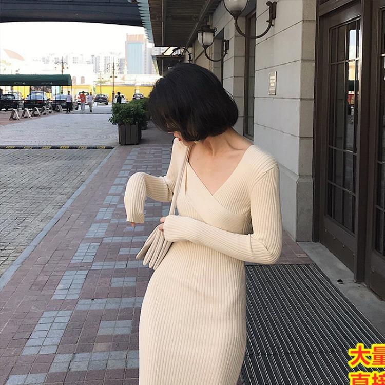 配大衣的内搭针织连衣裙显瘦气质轻奢名媛长款打底过膝毛衣裙子女