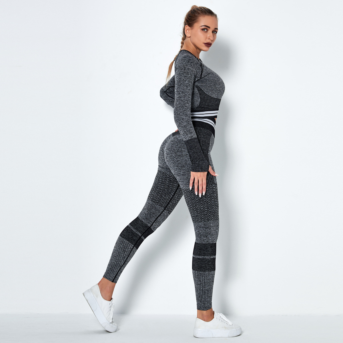 seamless knitted quick-drying long-sleeved striped two- piece fitness suit NSLX8991