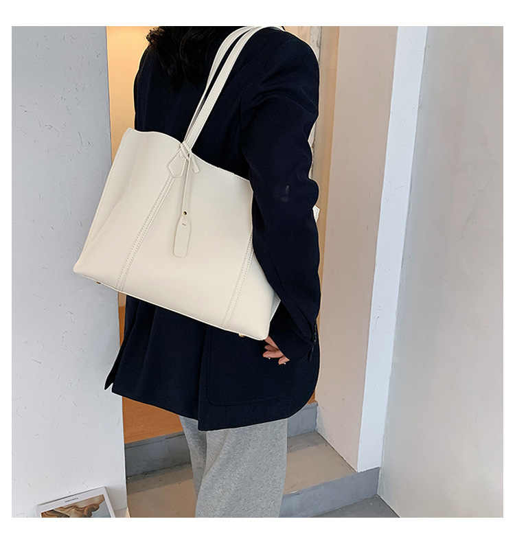 Simple large-capacity bag handbags  new trendy fashion popular one-shoulder handbag wholesale  NHTC240291