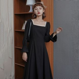 Dress autumn and winter new French retro Hepburn lightly cooked wind little black dress waist was thinner and age-reducing long-sleeved temperament