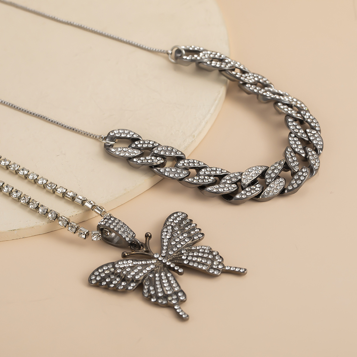 fashion jewelry exaggerated micro-set rhinestone geometric necklace retro suit Cuban chain large butterfly necklace wholesale nihaojewelry NHXR221296