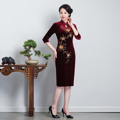 cheongsam skirt standing collar cheongsam gold velvet cheongsam embroidery