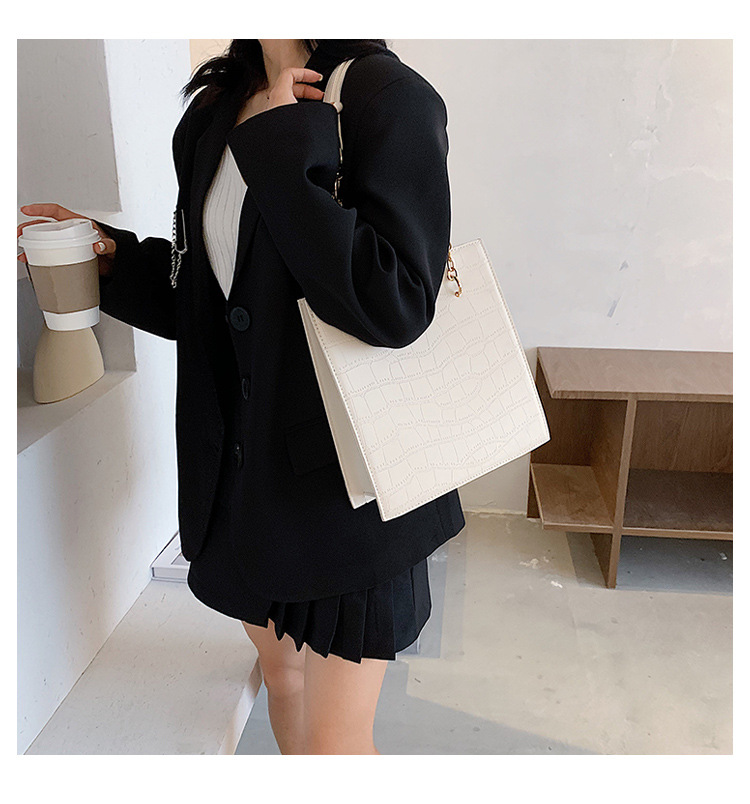 Simple large-capacity handbags new fashion chain single shoulder tote bag wholesale NHTC249218