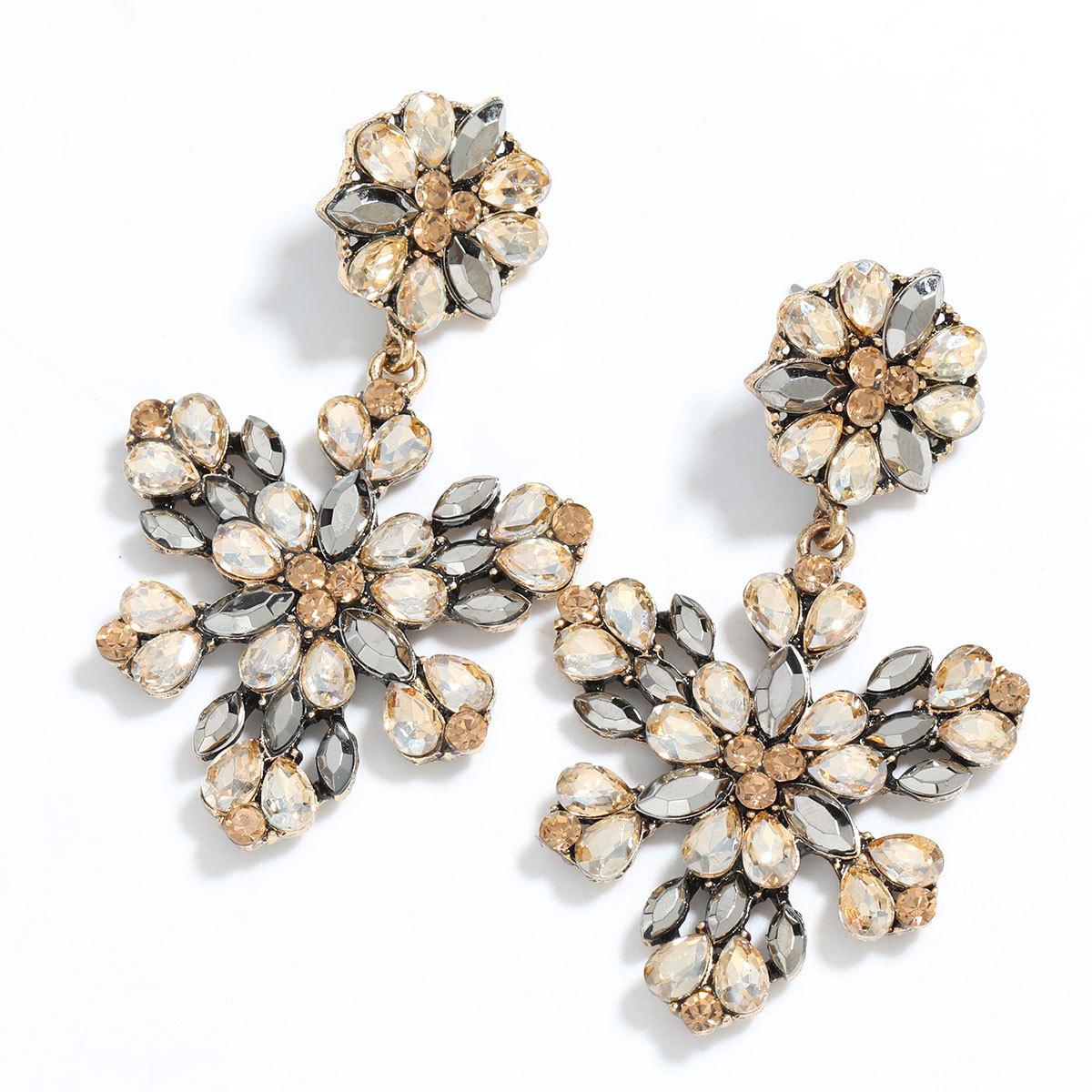 Boucles d39oreilles de fleurs en strass en alliage multicouche en alliage multicouche de srie de diamants de couleur de mode en gros nihaojewelry NHJE241397