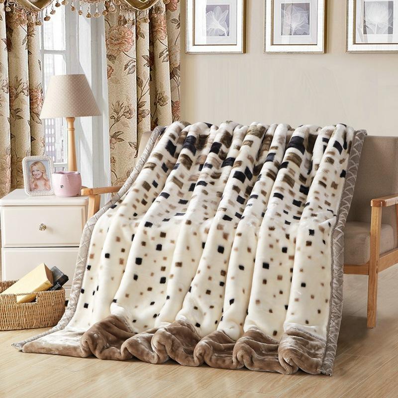厂家直销拉舍尔毛毯 双层加厚保暖毯子 办公室午休空调法兰绒毯