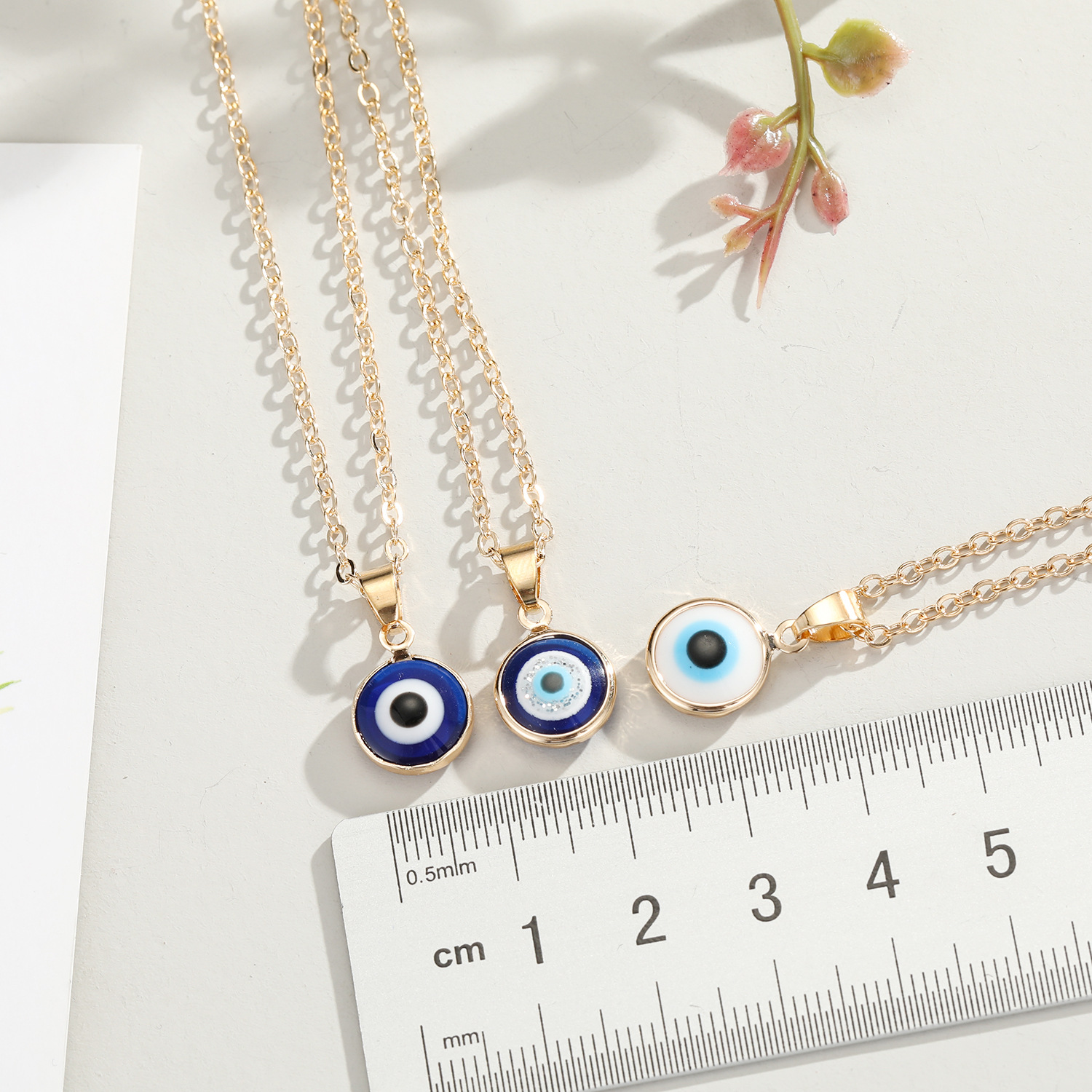Turkish blue eyes pendant necklace nihaojewelry wholesale wild wrapping edge eyes necklace ladies  accessories NHGO218137