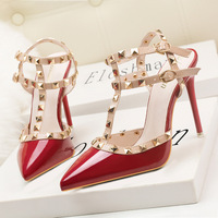 9616-56 Europe and the United States wind sexy nightclub high-heeled shoes paint metal rivets sexy nightclub Roman sandals women's shoes
