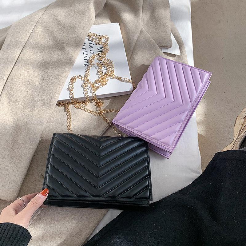 2020新款时尚简约斜挎秋冬链条黑色包包女小方包潮气质单肩绣线包