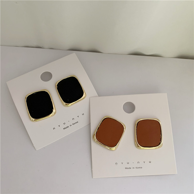 Fashionable square French retro metal leather silver needle stud simple earrings NHYQ269403