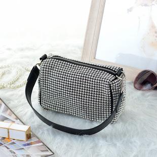 The new king bag flash diamond bag net celebrity with the same type of diamond Bling rhinestone shoulder diagonal small bag