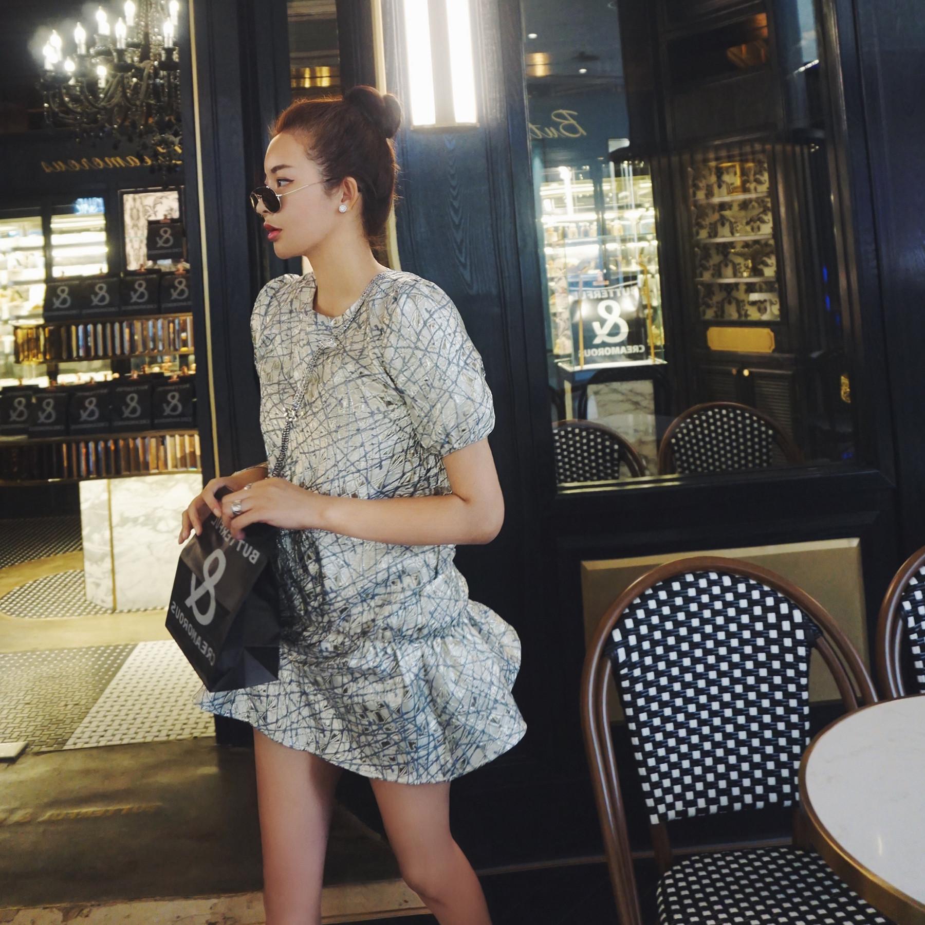 奢华银丝浮雕褶皱小泡泡袖连衣裙 特别适合小个子复古裙子