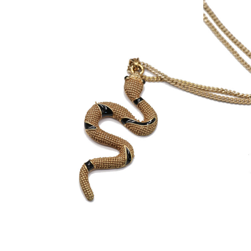 animal shape pendant necklace sweater chain brown snake-shaped pendant necklace sweater chain wholesale nihaojewelry NHOM234512