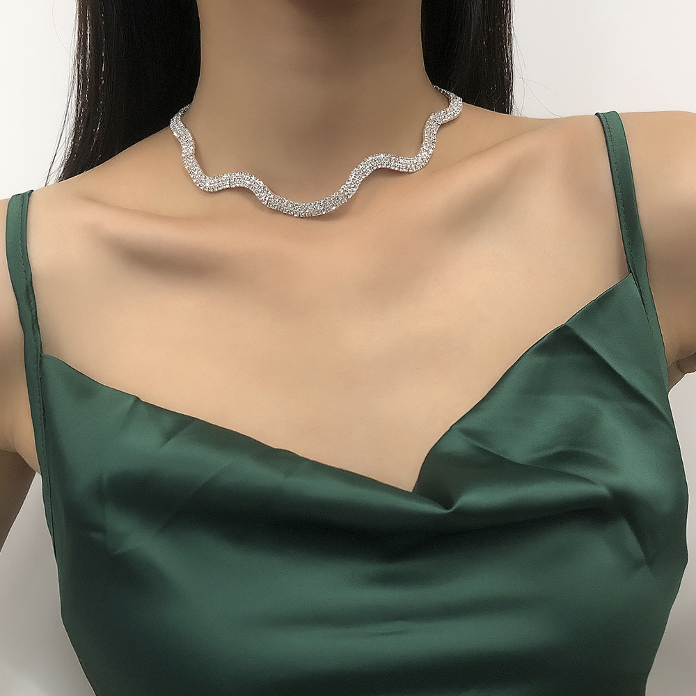simple clavicle chain geometric irregular necklace  NHMD295140