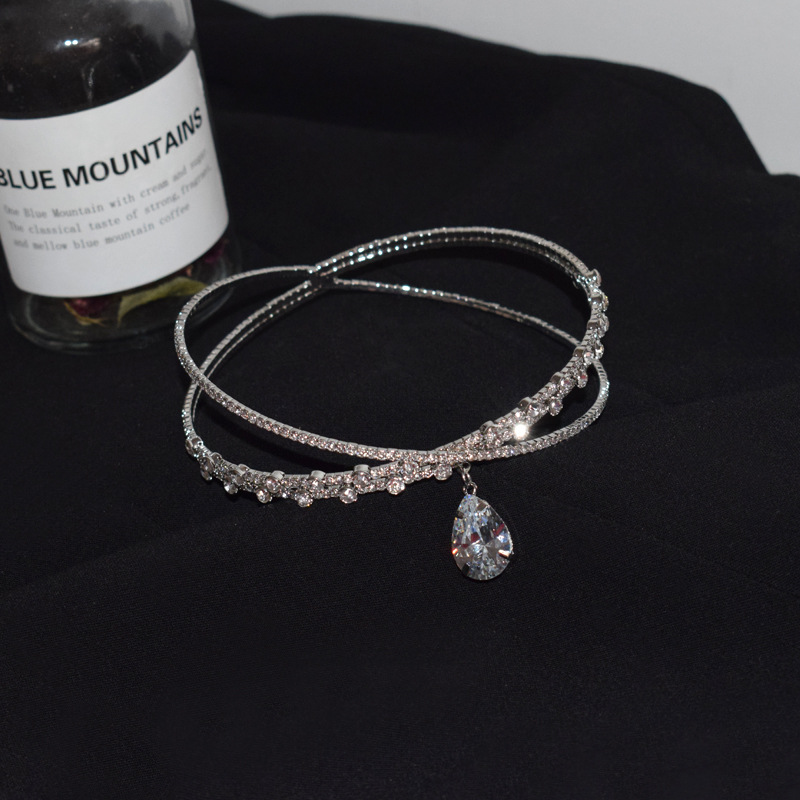 Simple design choker card rhinestone collar and thin clavicle chain delicate necklace wholesale nihaojewelry NHNT239310