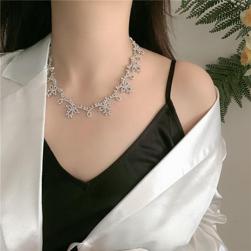 micro-inlay classical lace necklace original design bride wedding fairy retro clavicle chain wholesale nihaojewelry NHYQ227599