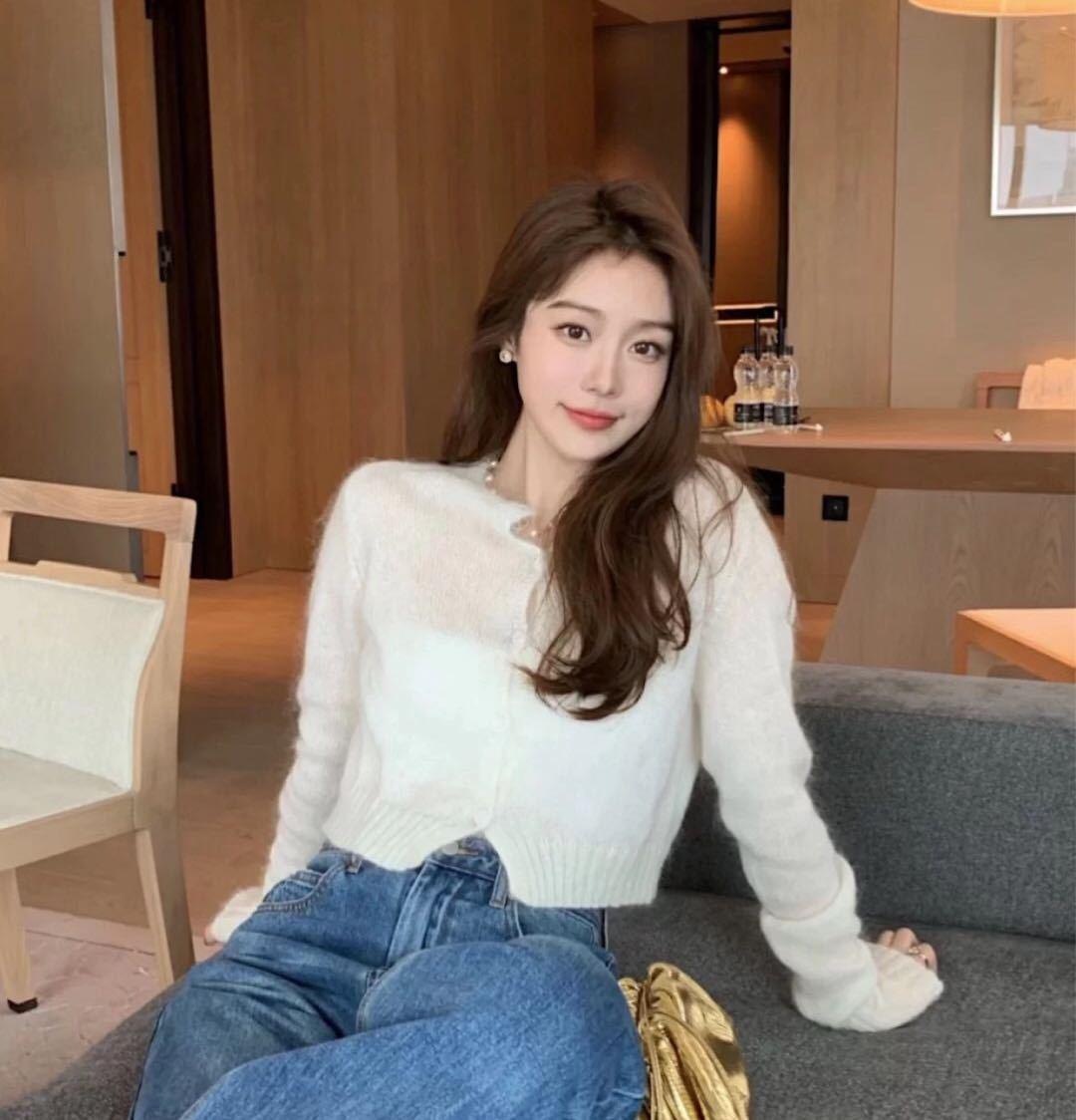 【现货】金智妮Jennie同款白色毛衣针织开衫长袖短上衣女l