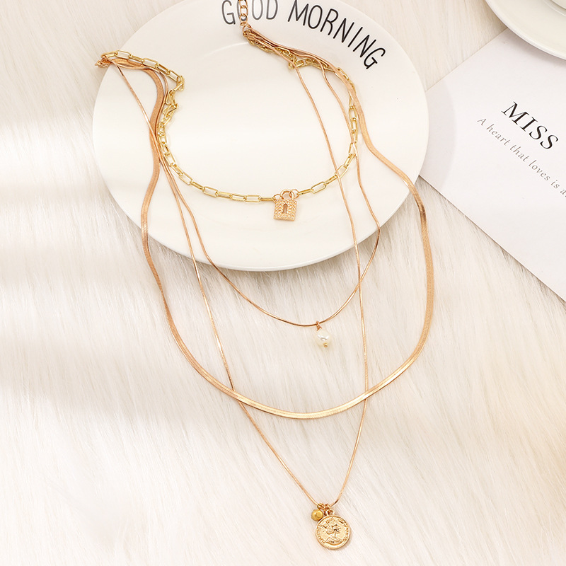 Jewelry Fashion Vintage Embossed Portrait Pendant Multi-layer Necklace Pearl Lock Necklace NHNZ195980