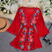 波西米亞復古民族風重工刺綉氣質方領系帶收腰顯瘦短款度假連衣裙
