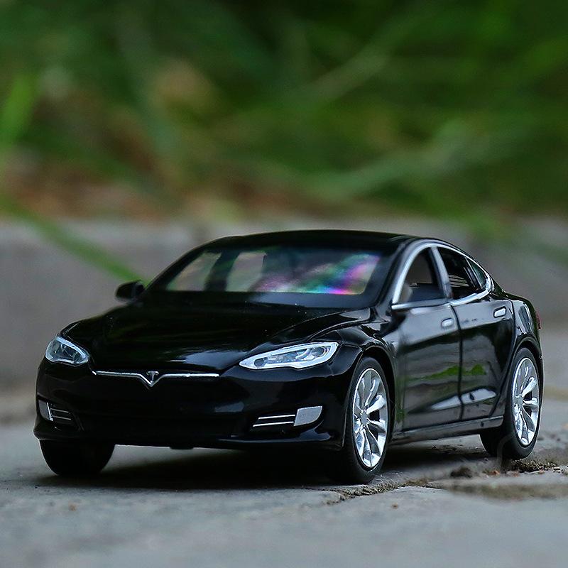 宝思仑1/32特斯拉Model S合金汽车模型回力声光跑车轿车66063散装