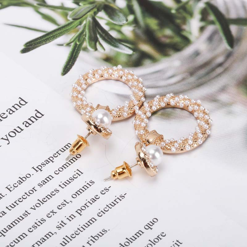 Pearl Earrings Korean Popular Jewelry 925 Silver Pin Gold Stud Earrings Hollow Pattern Earrings wholesale nihaojewelry NHQS234558