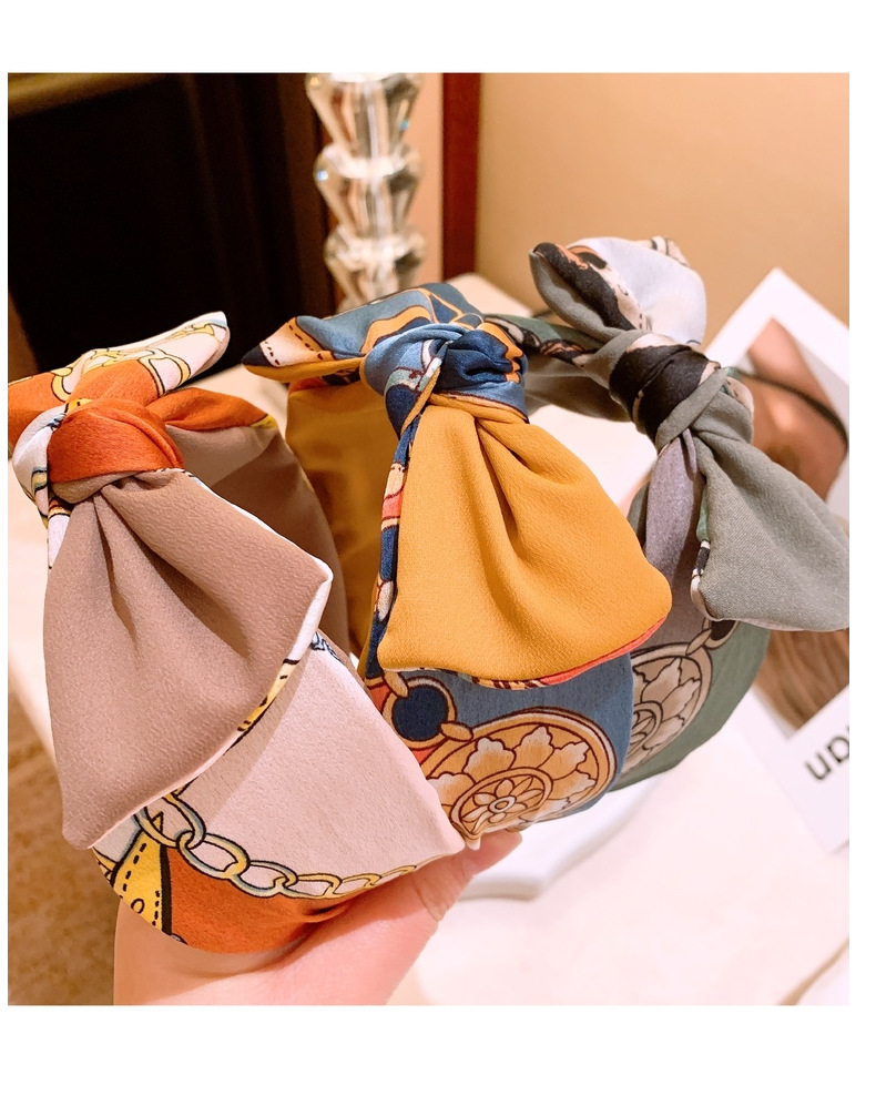 Korean vintage simulation silk chain abstract contrast color stitching wide edge bow headband NHHD203591