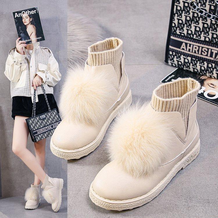 2021冬季新款绒球平底水钻短靴兔耳朵加绒保暖短筒雪地靴厚底女靴
