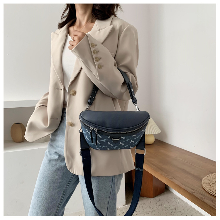new wild casual simple small shoulder messenger tide brand ladies small waist bag   NHJZ247879